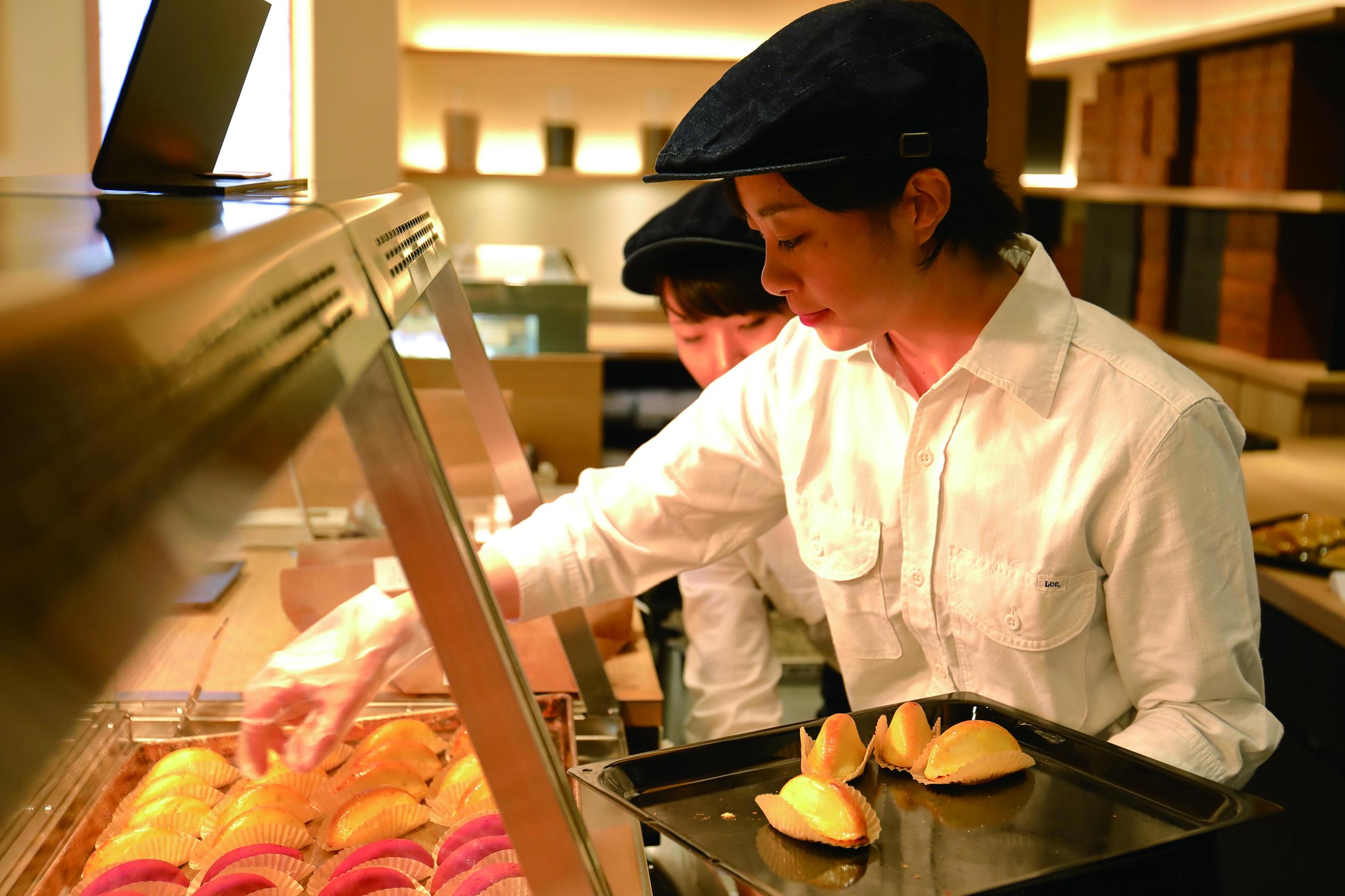 澁谷食品株式会社 芋屋金次郎 卸団地店の求人画像